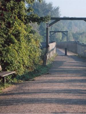 Menesetung-Bridge-02