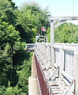 menesetung-bridge (1)